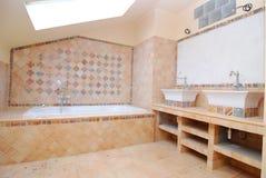 łazienka budująca połówka obraz royalty free