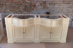 Łazienki bezcelowości gabinet dla dwa washbasins klasyczny meble Zdjęcia Stock