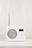 Łazienki biały nowożytny radio Zdjęcia Stock