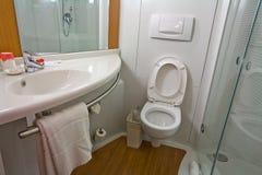 łazienki praktyczny nowożytny zdjęcie royalty free