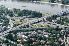 Łazienkowski桥梁在华沙-鸟瞰图 免版税库存照片