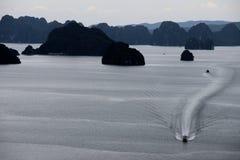 Łodzi Bai Tu Długa zatoka, Wietnam Zdjęcia Stock