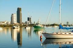 łodzi broadwater wybrzeża złoto Obrazy Royalty Free