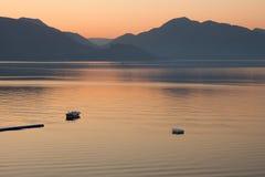 łodzi morza wschód słońca Obrazy Stock