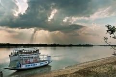 łodzi rzeki turysta Obrazy Royalty Free