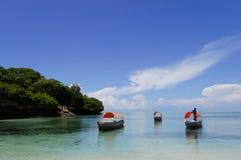Łodzie blisko Chumbe wyspy Zanzibar, Tanzania - zdjęcia stock