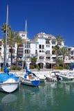 łodzie Costa De Duquesa portowych cumowali jachtów Hiszpanii obrazy royalty free