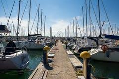 Łodzie cumowali w marina Pescara i Ferris koła backg Obrazy Royalty Free