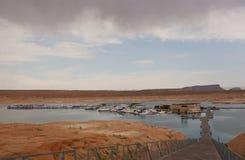 Łodzie dokować przy spławowym antylopa punktu marina w Arizona Fotografia Royalty Free