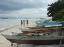 Łodzie na Panglao wyspy plaży Zdjęcia Royalty Free