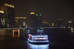 Łodzie na Perełkowej rzece przy nocą Fotografia Royalty Free