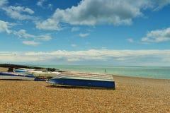 Łodzie na plaży Zdjęcia Royalty Free