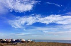 Łodzie na plaży Fotografia Royalty Free