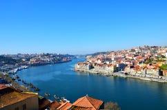 Łodzie na rzecznym Douro, Porto, Portugalia fotografia stock