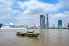Łodzie na Saigon rzece zdjęcie stock