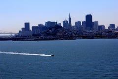 łodzie przerzucają most Francisco bramę złoty target383_1_ San usa Zdjęcie Stock