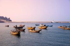 Łodzie rybackie dok, Weizhou wyspa obrazy stock