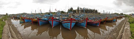 Łodzie rybackie na brzeg Wietnam Obrazy Royalty Free