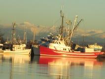 Łodzie rybackie na rzece zdjęcie stock