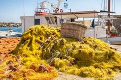 Łodzie Rybackie przy, Naoussa, Paros, Grecja obrazy royalty free