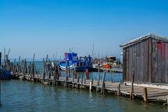 Łodzie rybackie w Carrasqueira połowu antycznym porcie Obraz Royalty Free