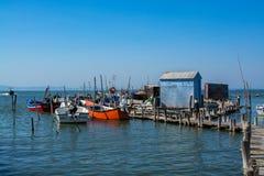 Łodzie rybackie w Carrasqueira połowu antycznym porcie Zdjęcie Stock