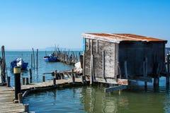 Łodzie rybackie w Carrasqueira połowu antycznym porcie Zdjęcia Stock