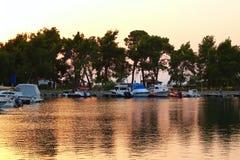 Łodzie w Marina przy zmierzchem Zdjęcie Royalty Free