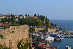 Łodzie w morzu śródziemnomorskim w portowym Antalia Fotografia Stock