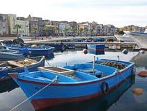 Łodzie w Taranto zdjęcia stock