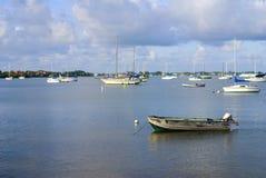 Łodzie w zatoce zdjęcie royalty free
