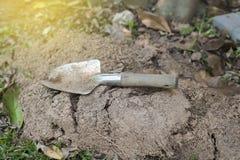 Łopaty łyżka - narzędzie dla kopać ziemię Zdjęcie Royalty Free