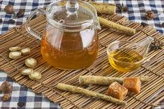 Łopianowa ziołowa herbata Fotografia Royalty Free
