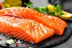 Łosoś rybi świeży łosoś Surowy łososiowy rybi polędwicowy Zdjęcia Royalty Free