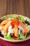 Łosoś sałatkowy i warzywa Fotografia Stock