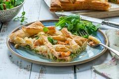 Łososia i brokułów tarta Zdjęcie Stock