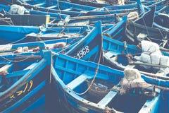 Łowić błękitne łodzie w Marocco Udziały błękitne łodzie rybackie w Fotografia Royalty Free