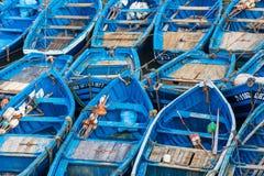 Łowić błękitne łodzie w Marocco Udziały błękitne łodzie rybackie w Obraz Royalty Free
