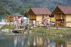 Łowić na brzeg rezerwuar przy rekreacyjnym centrum w Carpathians obraz royalty free