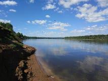 Łowić na rzecznym Vyatka blisko miasteczka Mamadysh Republika Tatarstan obrazy stock