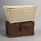 Łozinowy pudełko na szarym tle Obrazy Stock