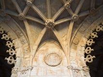 Łuki w Jerà ³ nimos monastery, Belem, Lisbon, Portugalia Obraz Stock