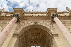 Łuku De Triomphe Du Carrousel jest triumfalnym łukiem w Paryż, lokalizować w miejscu Du Carrousel Obraz Stock