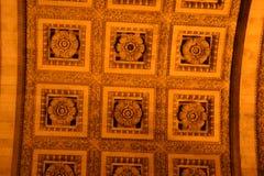 Łuku De Triomphe sufit w Paryż Zdjęcia Royalty Free
