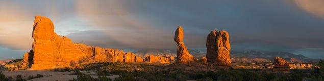 Łuku park narodowy po wiosny burzy w Wschodnim Środkowym Utah obraz stock