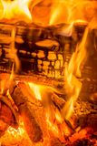 Łupka pali w piekarniku zdjęcie stock