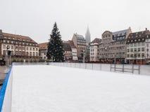 Łyżwiarski lodowisko w środkowym miejscu Kleber Strasburg po terrorysty obrazy royalty free