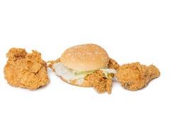Łydka, klatka piersiowa pieczony kurczak i chipsa kurczak hamburger odizolowywający na w, Zdjęcia Royalty Free