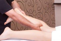 łydkowy masaż Zdjęcia Stock