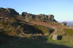 łydkowy wrzosowiska ilkley skały krowy na zachód - Yorkshire Obrazy Royalty Free